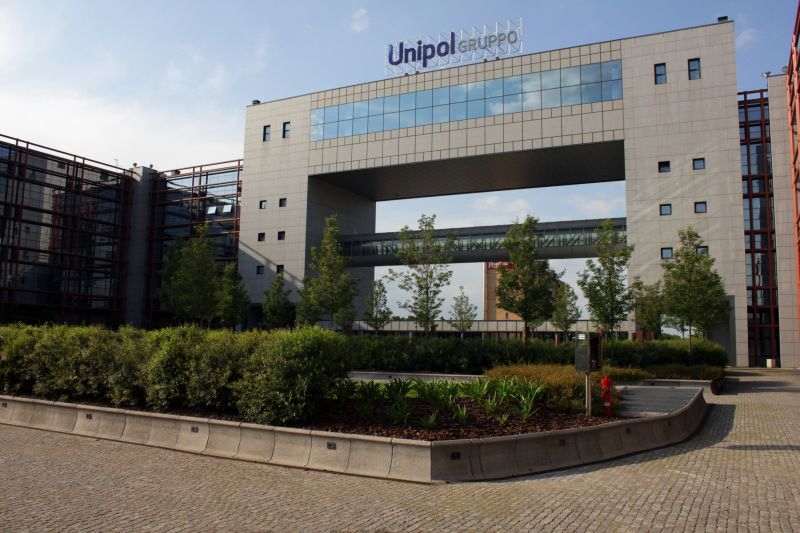 immagine-cubo-centro-Unipol-Bologna